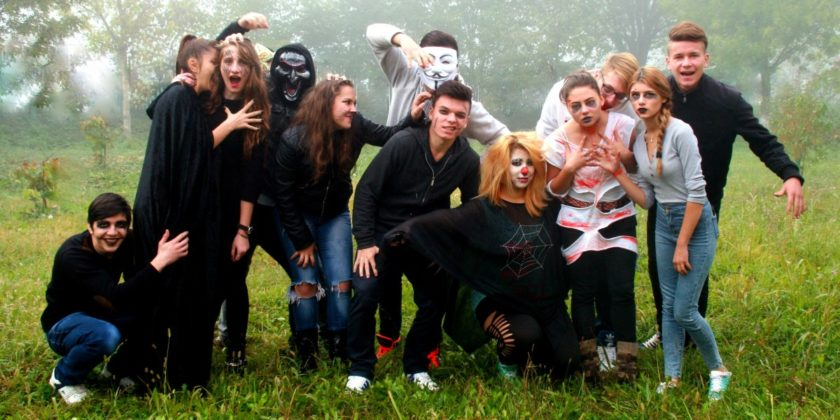 halloween_group_horror_movie_the_gang-661574